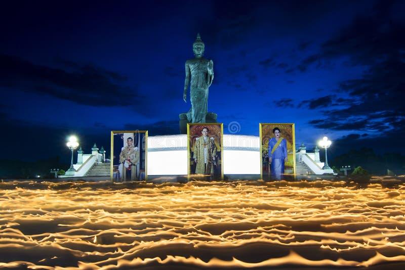 Буддийская деятельность в Таиланде стоковые фотографии rf