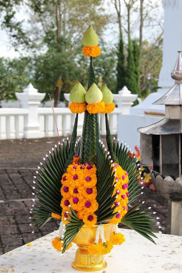 Буддийская жертвенная церемония стоковые фотографии rf