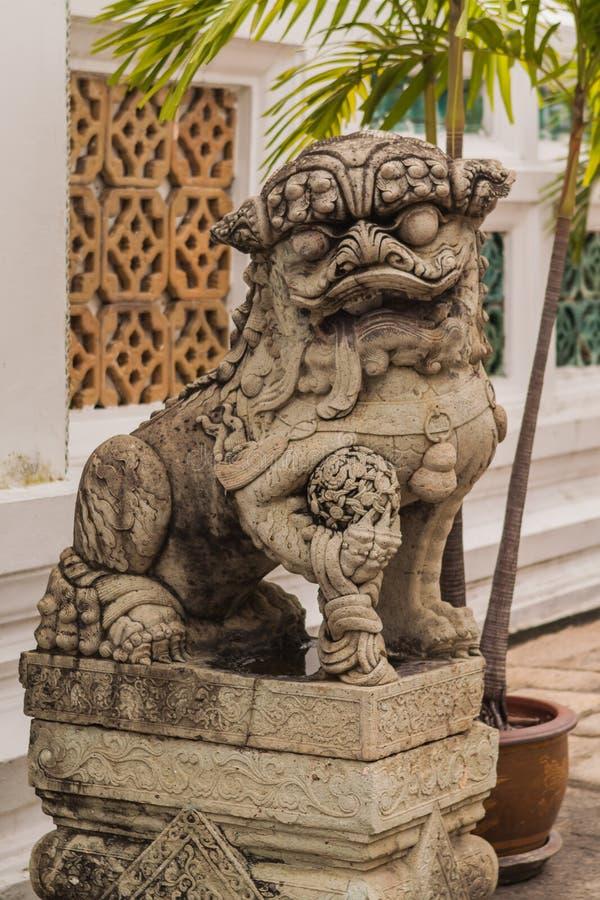 Буддийская скульптура львов стоковое изображение rf