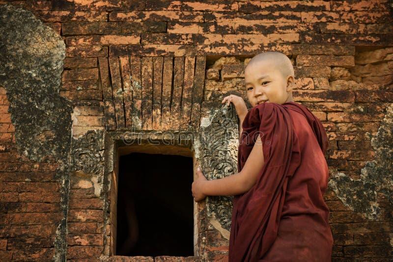 Буддийский монах послушника стоковая фотография