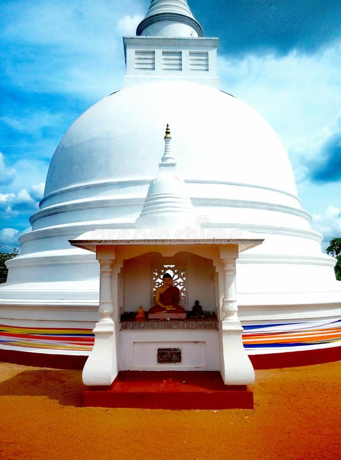 Буддийский центр в Tantirimale стоковая фотография