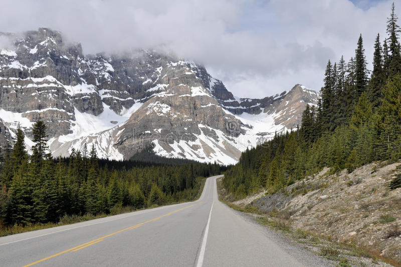 Бульвар Icefields, хайвей 93, Альберта (Канада) стоковое изображение