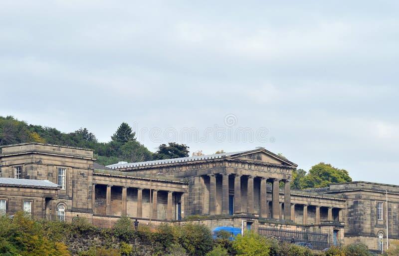 Бывшая королевская средняя школа, Эдинбург, Шотландия стоковые фотографии rf