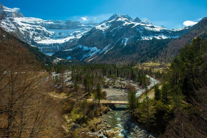 Быстрое река в долине, Франции стоковая фотография