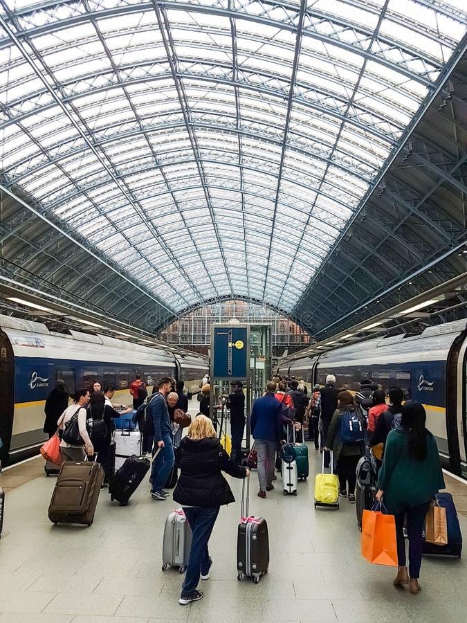 Быстроходные поезда Eurostar на Gare du Nord, Париже стоковое изображение