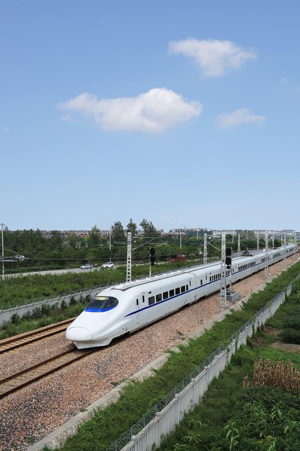 Download Быстроходный поезд Китая стоковое изображение. изображение насчитывающей пассажир - 33734531
