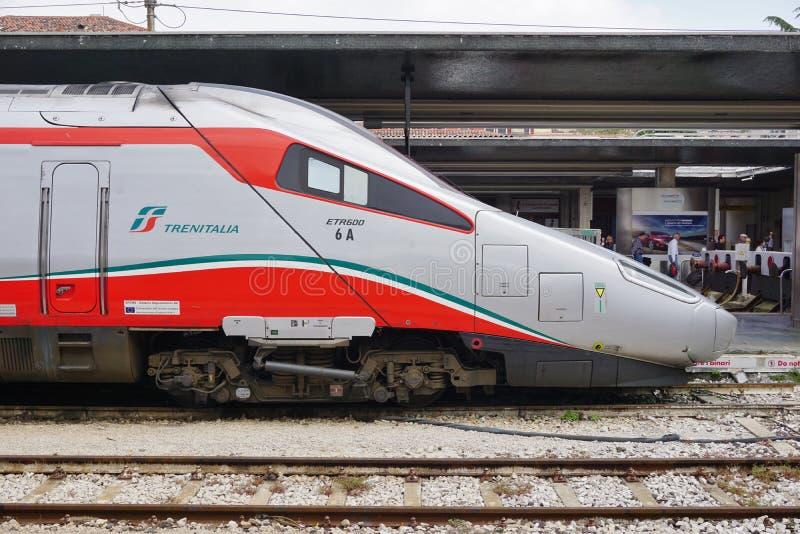 Картинки по запросу фото поезд Трениталия