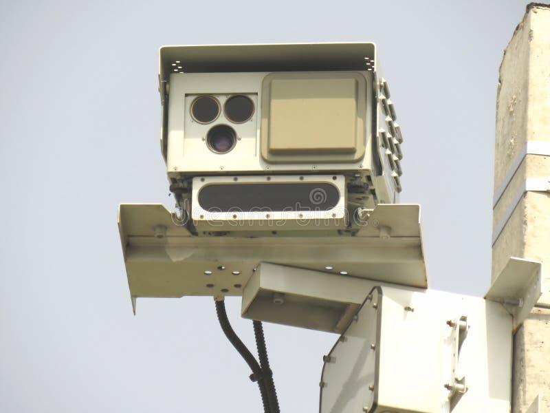 Быстро пройдите детектор камеры радиолокатора установленный на крупном плане вид спереди поляка стоковое фото rf