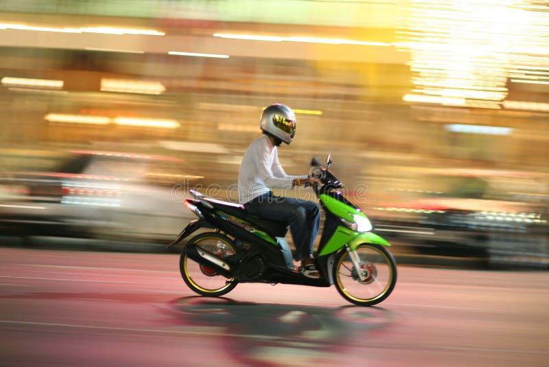 быстро проходить мотоцикла стоковое фото