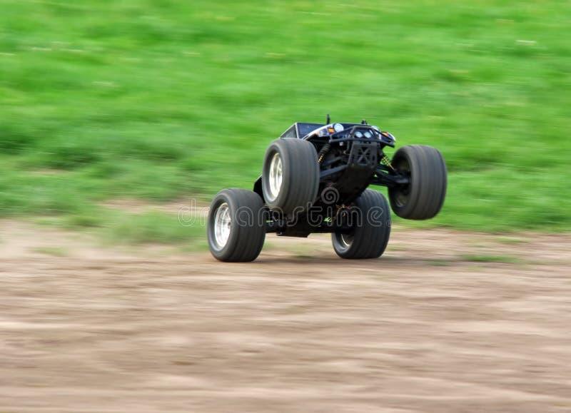 быстро проходить rc автомобиля стоковая фотография rf