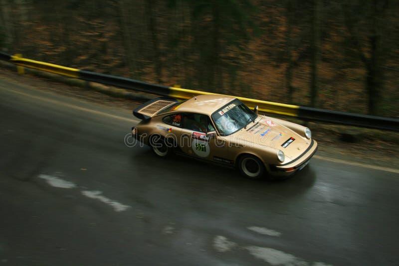 Быстрый захват быстрого автомобиля ралли стоковое изображение