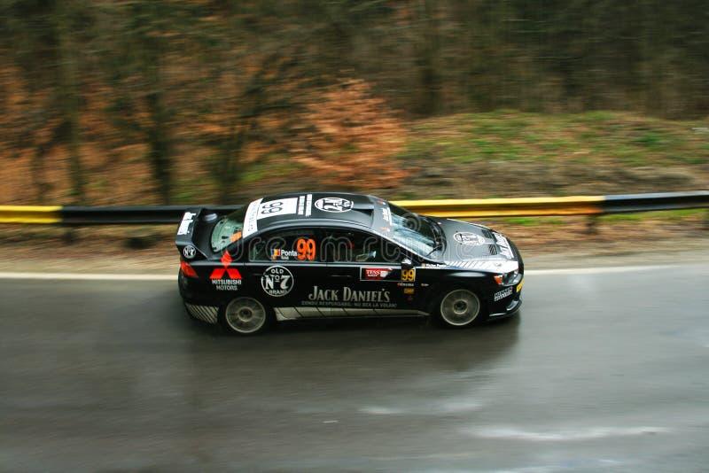 Быстрый захват быстрого автомобиля ралли стоковые изображения rf