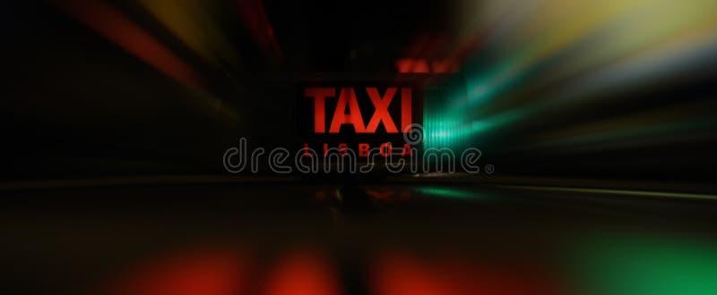 Download быстрый таксомотор стоковое изображение. изображение насчитывающей городск - 6859577