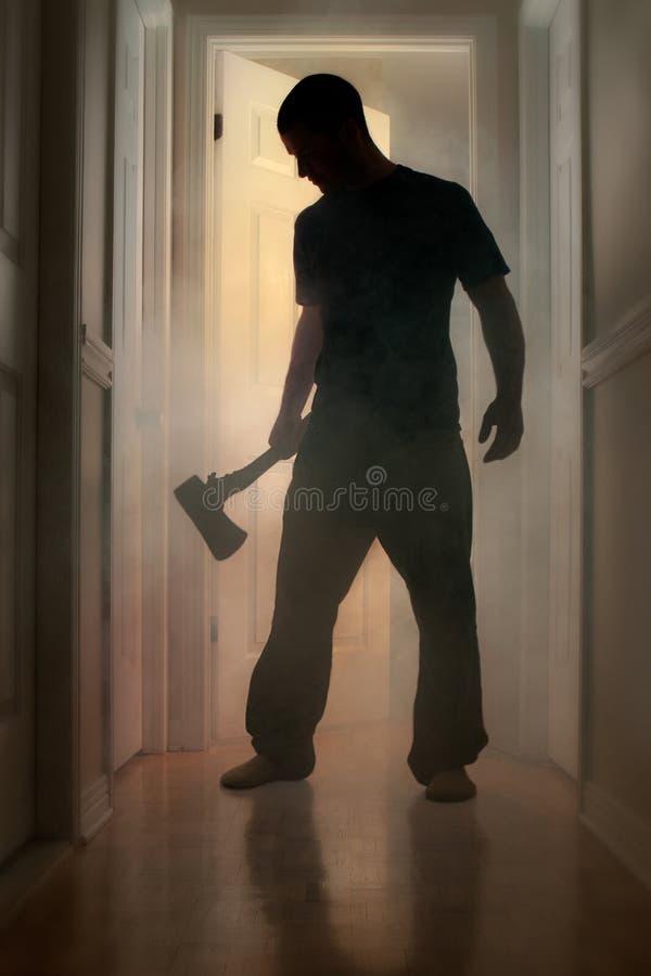 Download Былинная концепция при человек держа ось внутри куря дома Стоковое Изображение - изображение насчитывающей человек, blacksmith: 33728547