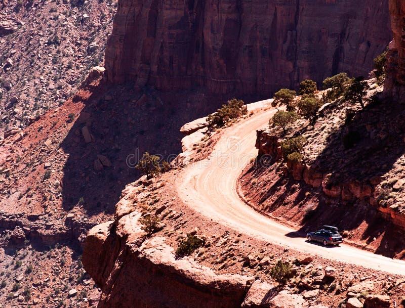 Былинный автомобиль в пустыне стоковые изображения rf