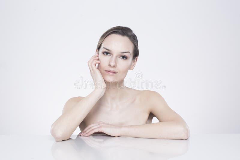 Бюст нагой женщины стоковое изображение rf