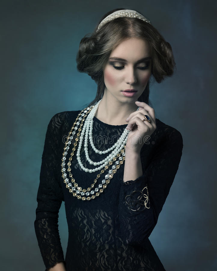 Благородная античная дама стоковые фотографии rf