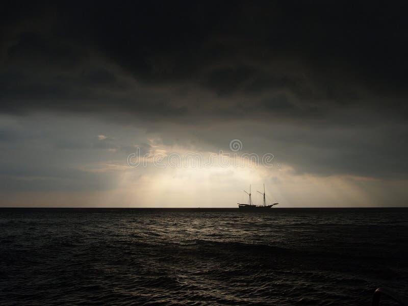 Блеск в шторме стоковое фото