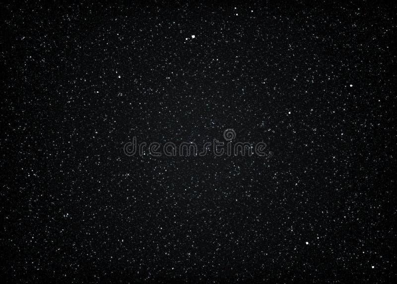 Блестящий темный звёздный космический космос иллюстрация штока