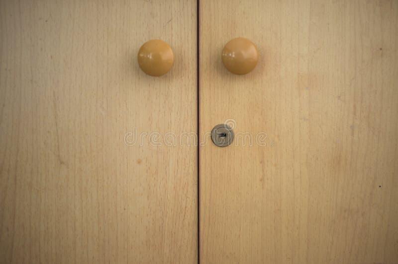 Близкий деревянный шкафчик стоковое фото