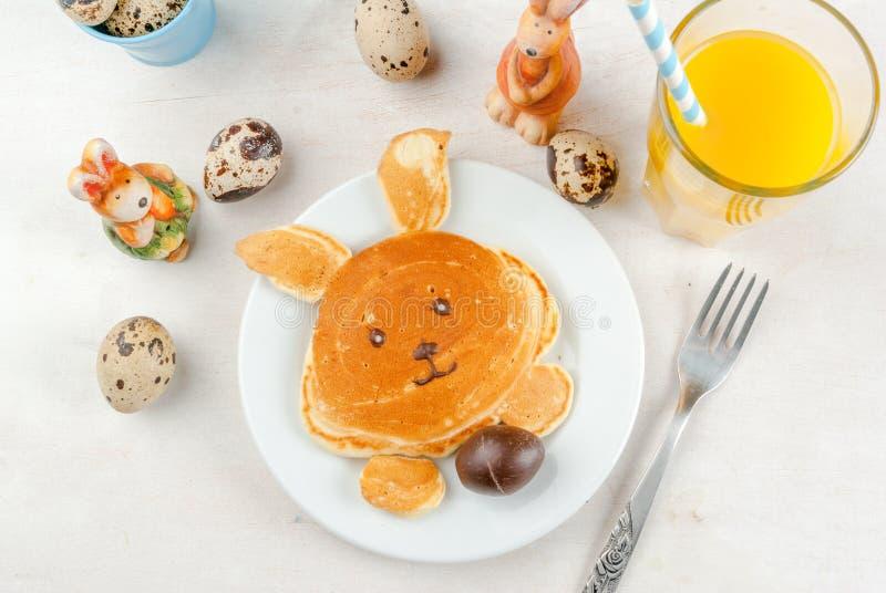 Блинчики для завтрака пасхи стоковое изображение rf