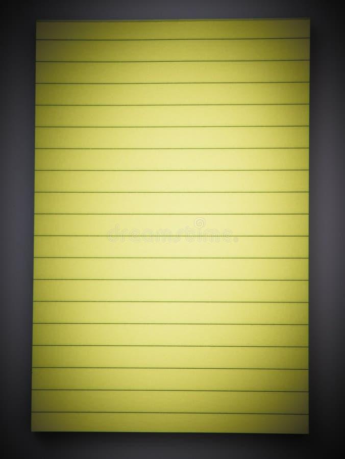 Блокнот выровнянный желтым цветом иллюстрация штока