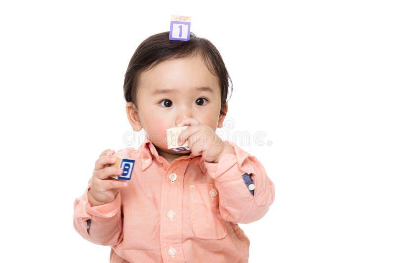 Download Блок игры ребёнка Азии деревянный Стоковое Фото - изображение насчитывающей играть, прелестное: 37926800