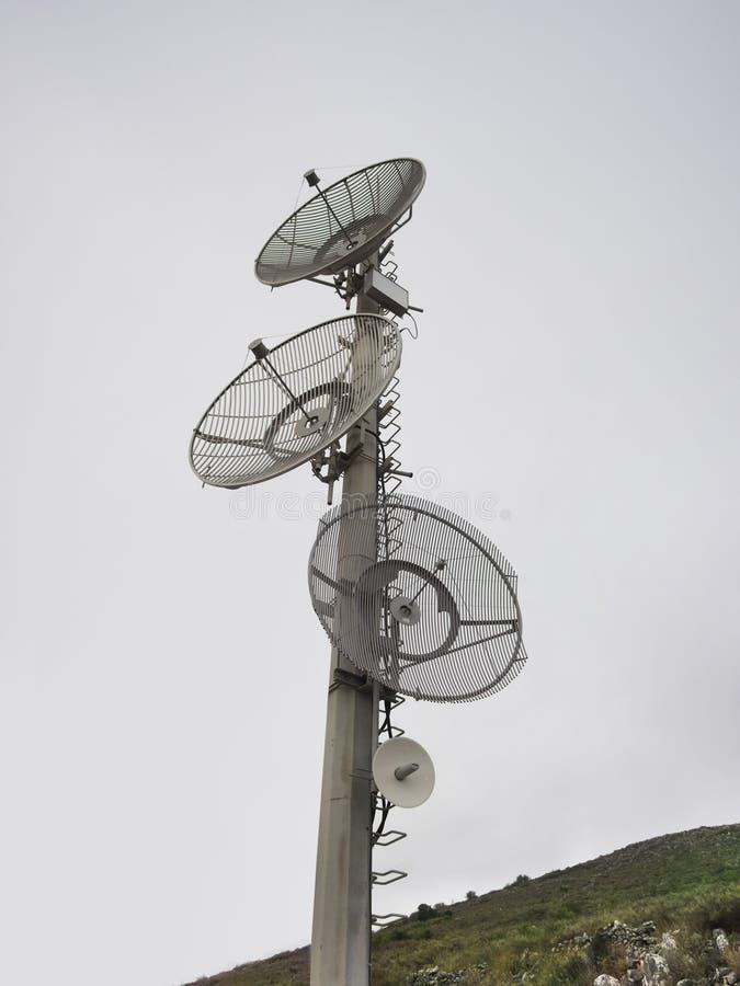 Блюда радиосвязи стоковая фотография rf