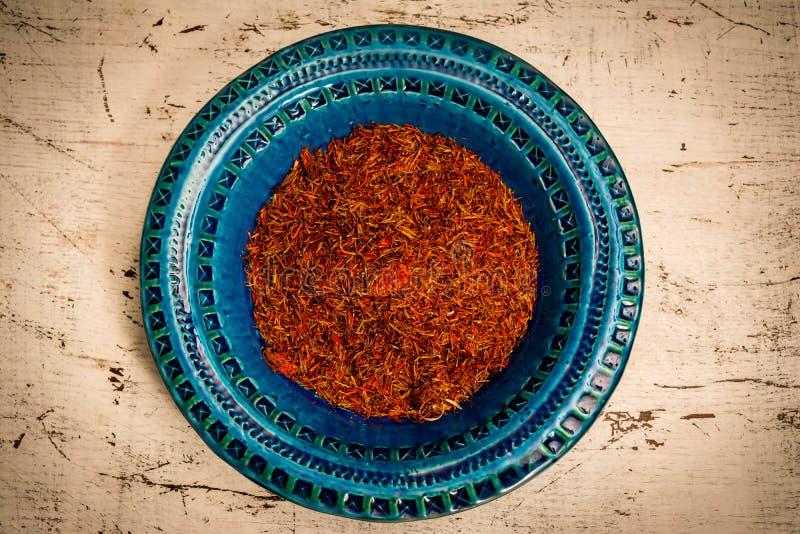 Блюдо сини шафрана стоковые фотографии rf