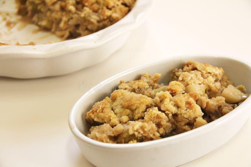 Блюдо хрустящей корочки сапожника Яблока стоковая фотография rf