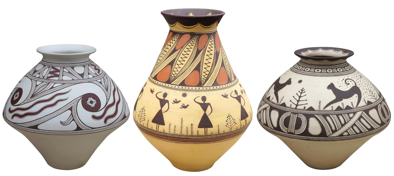 Вазы при ваза картины коренного американца изолированная на белом backgr стоковое фото
