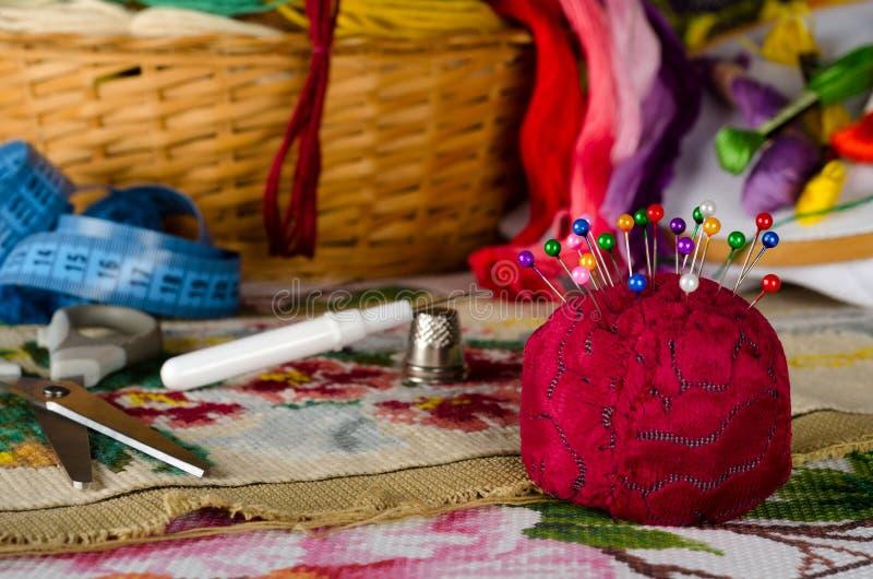 Валик для штырей и комплект перекрестный шить стоковое фото rf