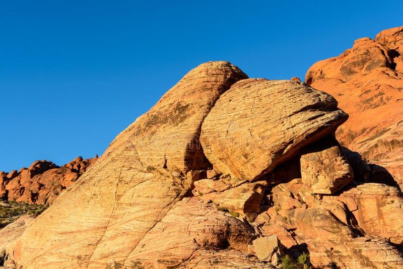 Валуны в красном каньоне утеса стоковое изображение rf