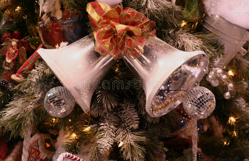 Download вал колоколов серебряный стоковое изображение. изображение насчитывающей торжество - 476707