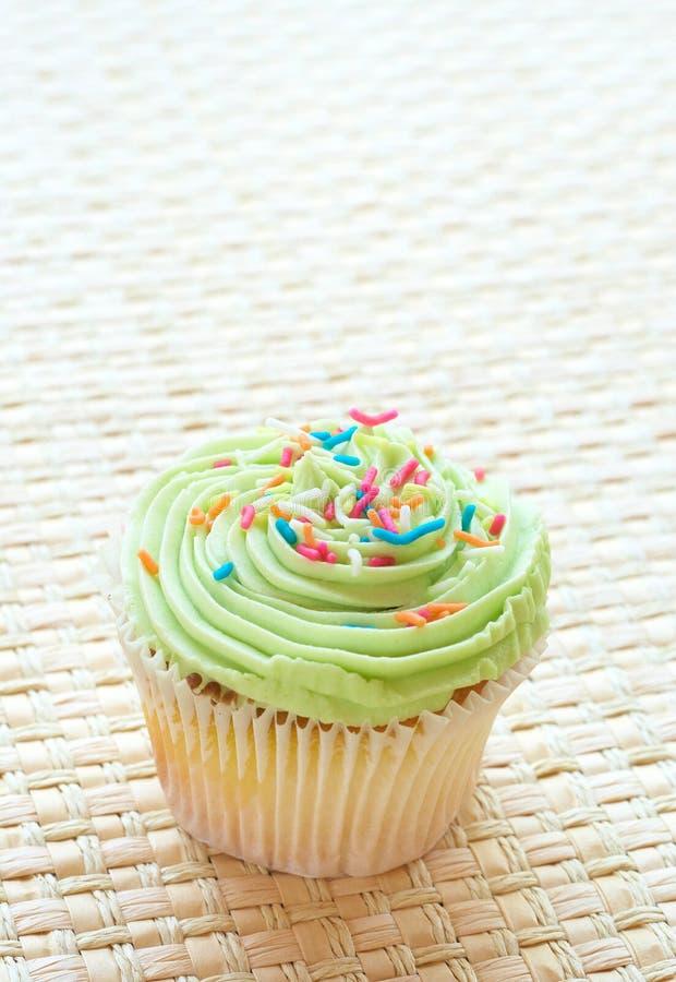 ваниль известки замороженности пирожня зеленая стоковое изображение