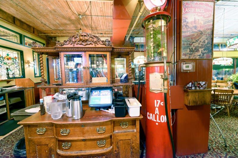 ВАНКУВЕР, КАНАДА - 8-ОЕ АВГУСТА 2017: Интерьер старых спагетти Fa стоковая фотография