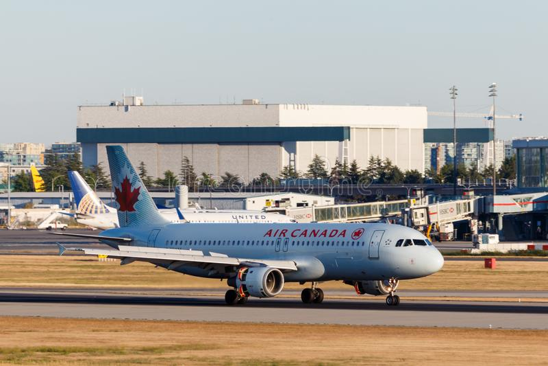 Ванкувер, Канада - около 2018: Аэробус A319 Air Canada на YVR i стоковое изображение rf