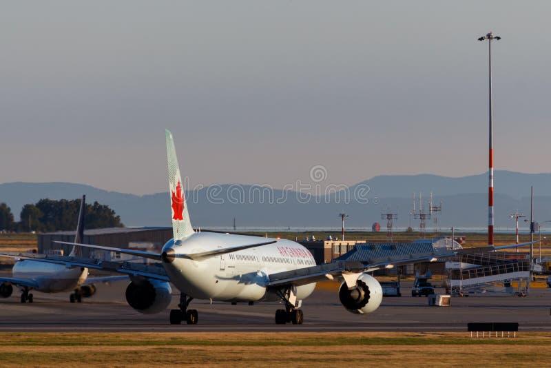 Ванкувер, Канада - около 2018: Air Canada Боинг 787 на YVR внутри стоковые фото