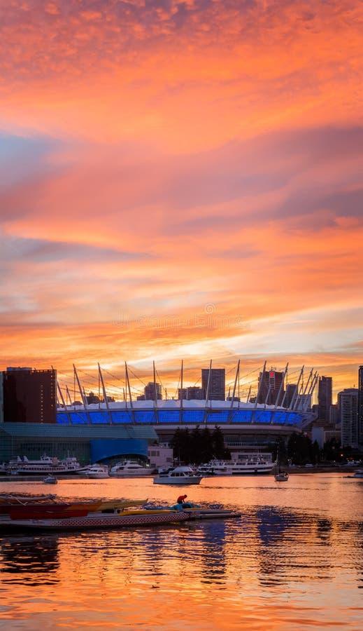 Ванкувер, Канада - около 2017: ДО РОЖДЕСТВА ХРИСТОВА установите стадион на заходе солнца стоковые изображения rf