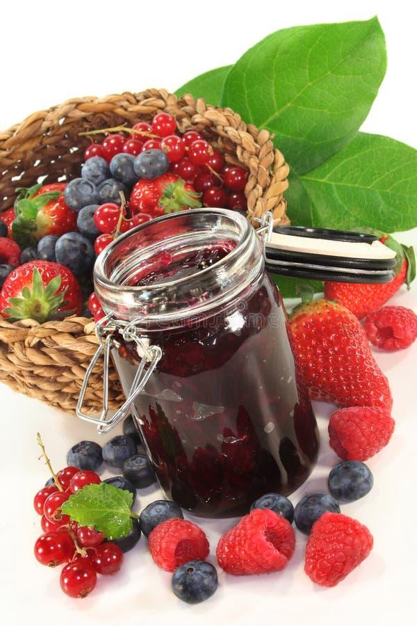 варенье ягоды стоковые фотографии rf