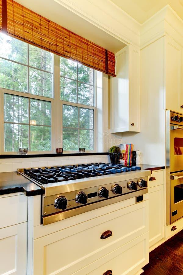варить белизну печки кухни роскошную стоковые фотографии rf