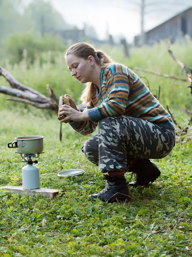 варить туриста чая печки газолина стоковые фотографии rf