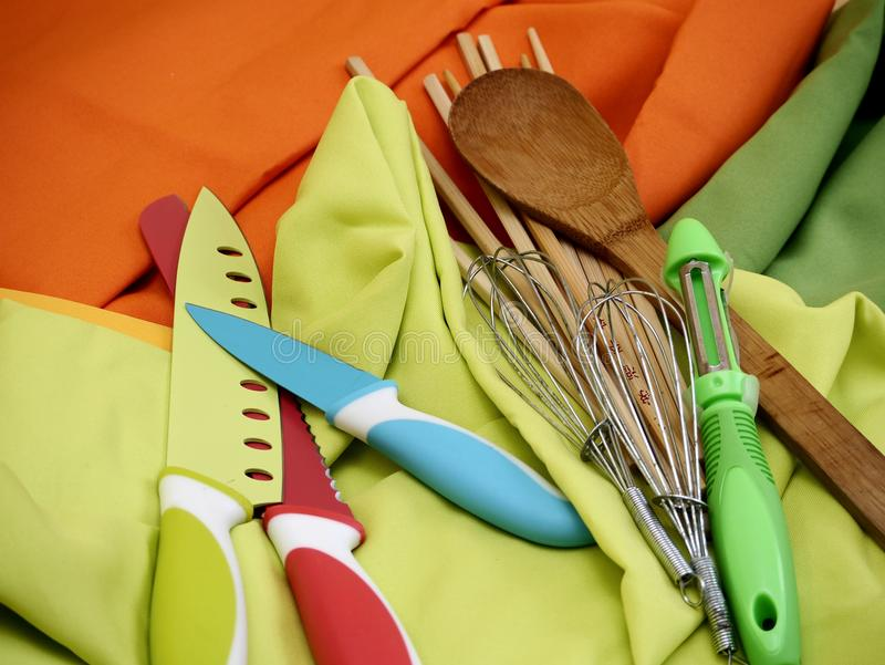 Варить шеф-повара работы кухни инструментов стоковое фото