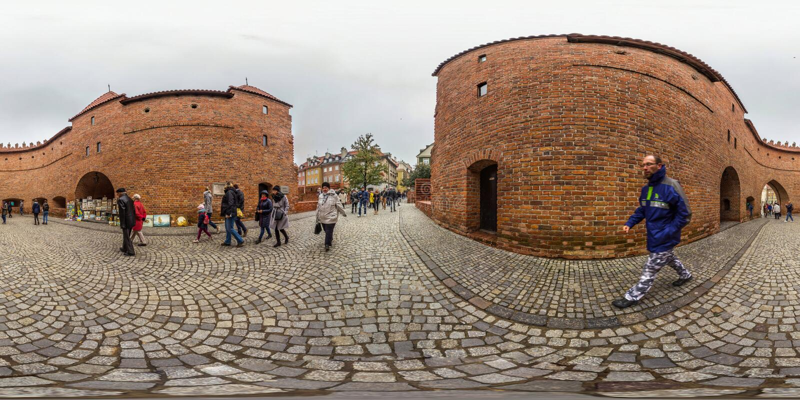 Варшава, Польша - сферически панорама 2018 3D с углом наблюдения 360 градусов старого городка Подготавливайте для виртуальной реа стоковые фотографии rf