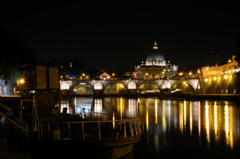 Ватикан на ноче стоковые фото