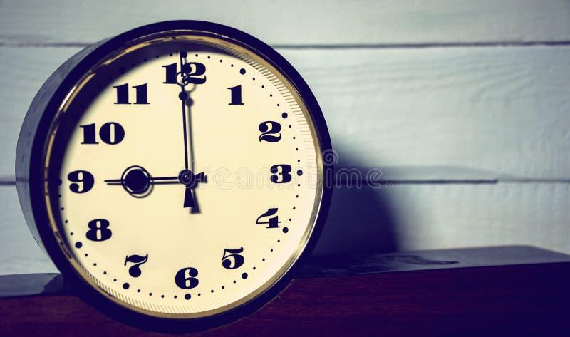 Вахта, винтажное ретро, часы ` 9 o в утре и вечер стоковые фотографии rf