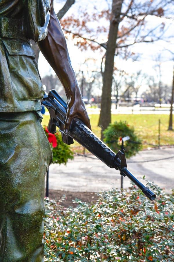 памятник в вашингтоне ветеранам вьетнама фото вид сакуры