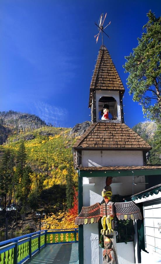 вашингтон steeple leavenworth падения цветов стоковые изображения rf