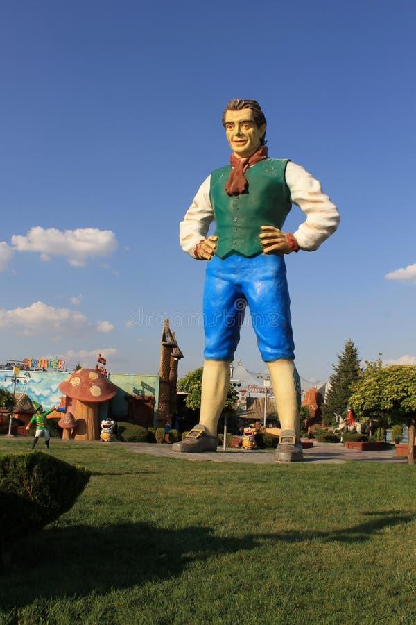 Ваяет персонажи из мультфильма в парке страны чудес в столице Анкары Турции стоковая фотография rf