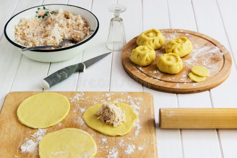 Ваяйте русскую концепцию kurniki пирогов стоковая фотография